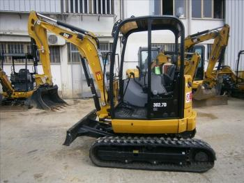 MINIESCAVATORE CAT 302.7D CR